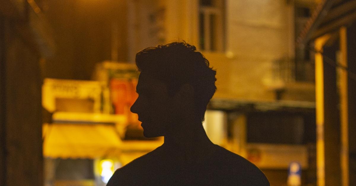 Ένα τραγούδι την ημέρα: Πάνος Βλάχος – Πάλι ψέματα θα πω | Tetragwno.gr